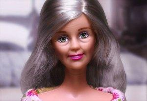 Barbie Lanjut Usia